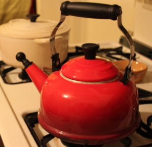 le creuset red kettle