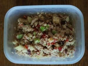 impromptu tuna salad with apples and veg